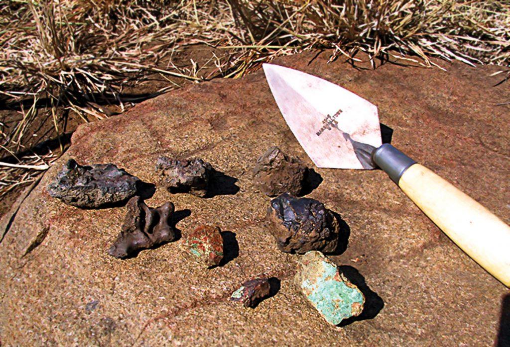 Copper ore and slag from Marothodi