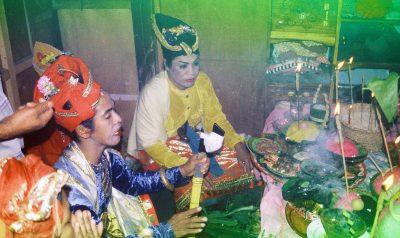 Bissu ceremony.